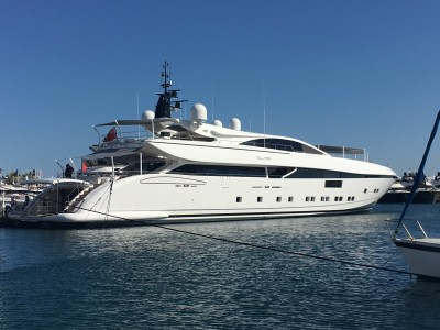Cannes Yachting Festival: one of the many premieres and a special evening